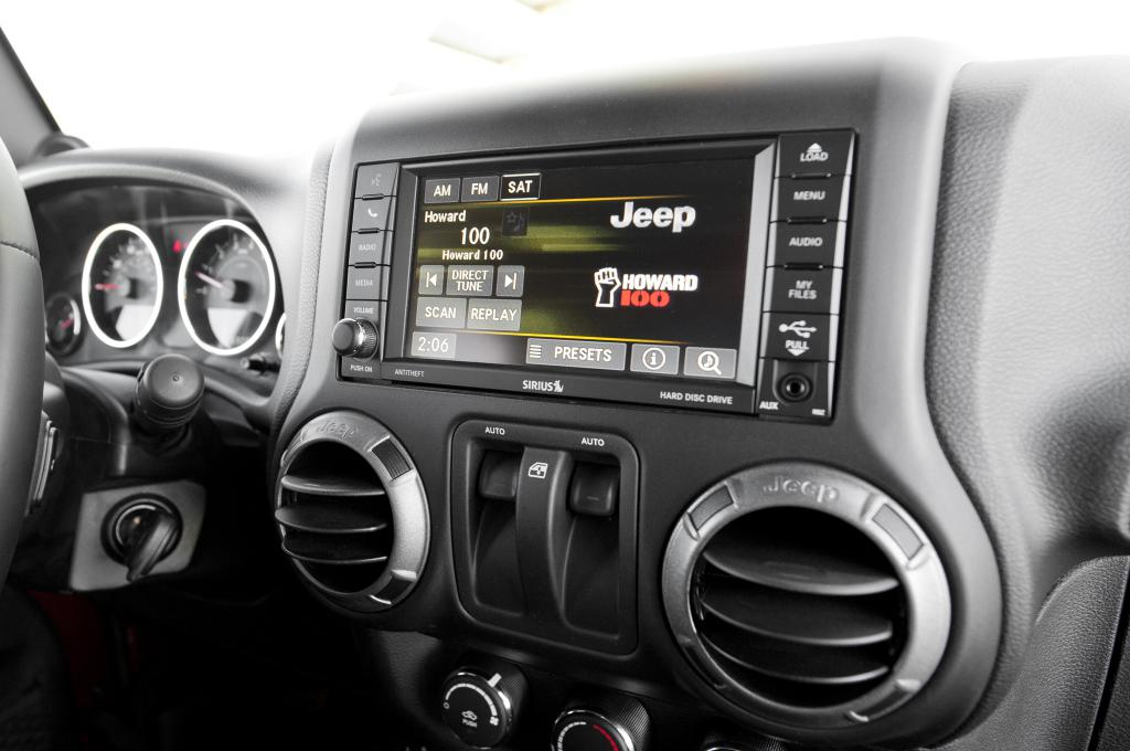Your JL Wrangler Will Feature CarPlay and Android Auto! - Wrangler